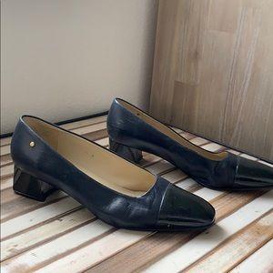Etienne aigner navy heels